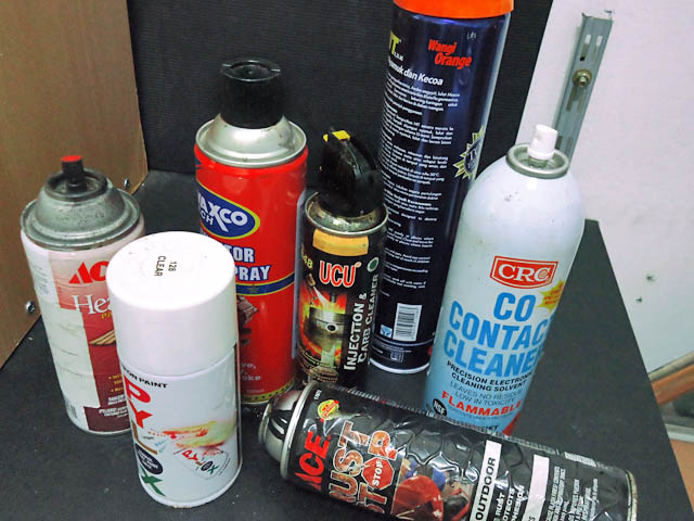 Mengisi ulang aerosol kaleng