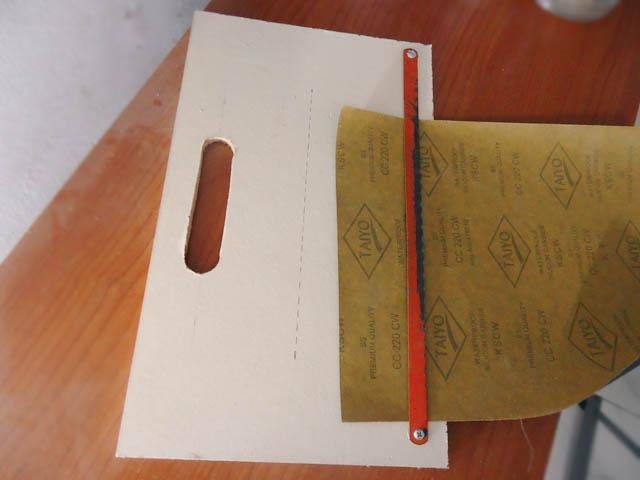 Pemotong amplas/kertas gosok