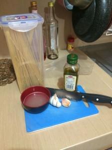 bahan-bahan spaghetti aglio e olio