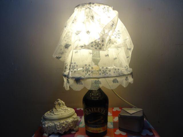 Lampu tidur whisky