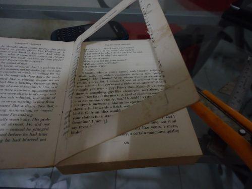 membuat frame dari buku bekas