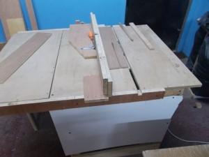 papan kotak di potong