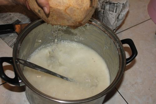 masukan air kelapa pada sirsat yang telah diblender