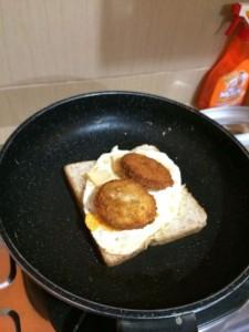 membuat sandwich sendiri