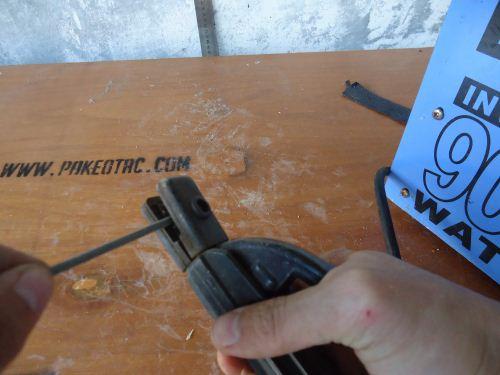 cara memasang elektroda las
