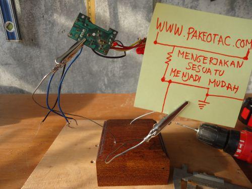 membuat sendiri helping hand elektronik