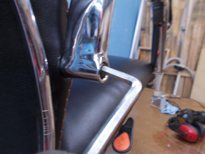 cara memperbaiki kursi