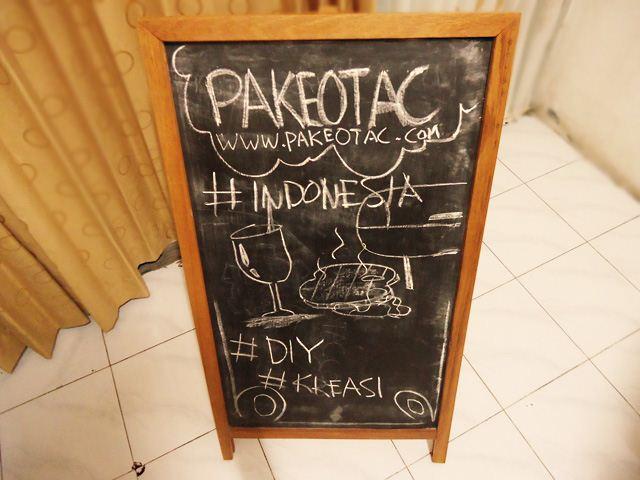 Buat sendiri papan menu restoran/cafe