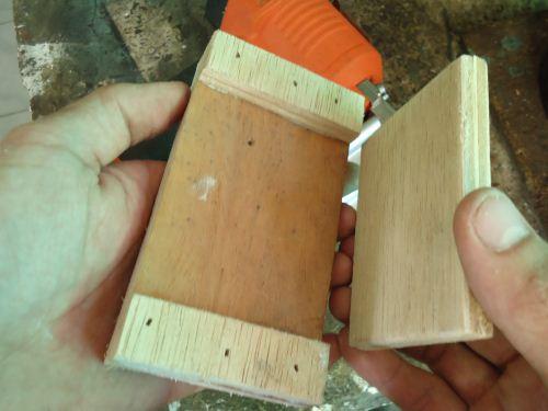 kayu setelah di lem dan dipaku