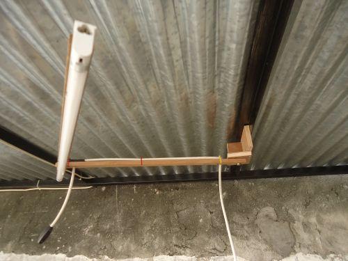 cara memasang lampu plafon unik