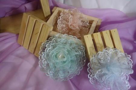 Membuat bunga dari renda