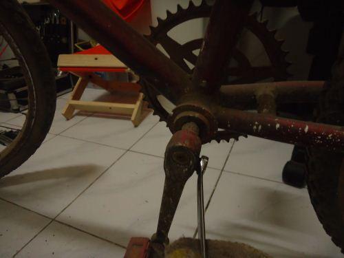 cara melepas pedal sepeda