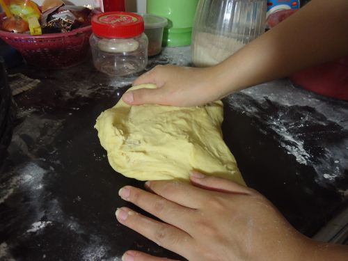 cara membuat hotdog bun