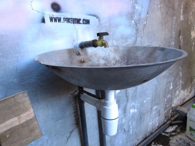 Wastafel industrial dari wajan