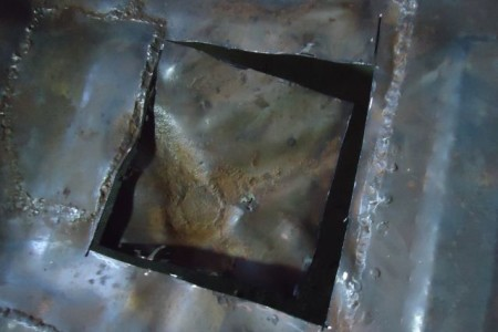 Cara menambal lantai mobil keropos