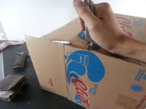 Cara membuat organizer dari kardus air gelas