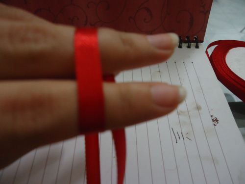 cara membuat pita double bow langkah 1