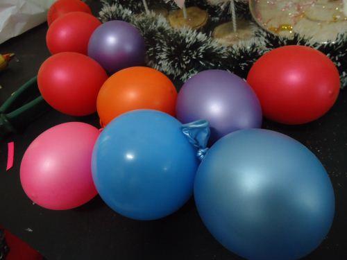 Balon untuk membuat bola benang