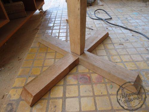 cara membuat tiang/stand logo pameran dari kayu