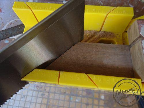 cara mudah memotong kayu menggunakan mitre jig
