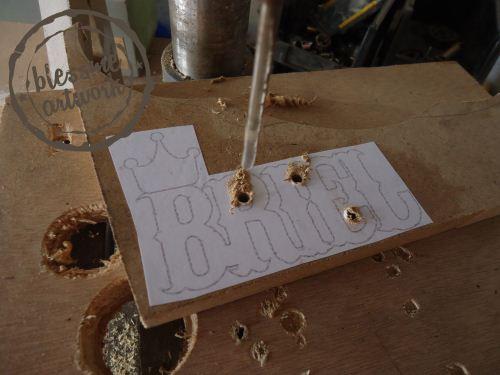 membuat huruf kayu dengan scrollsaw