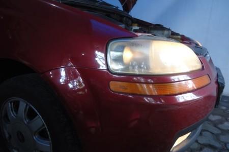 Mengganti lampu mobil dan memasang relay set