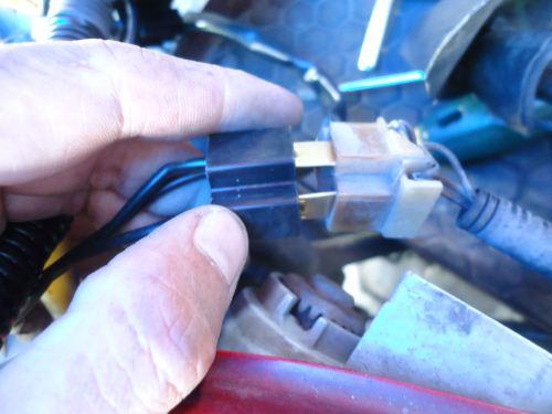 Cara memasang relay set lampu mobil