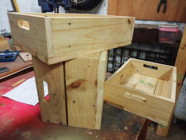 Crate/krat dari kayu pinus