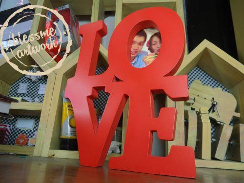 frame foto tulisan LOVE