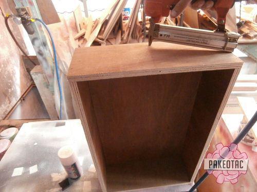 Cara membuat rak kaleng semprot