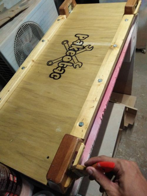 finishing creeper mekanik kayu