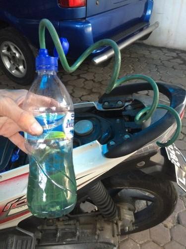 Alat sederhana penyedot bensin
