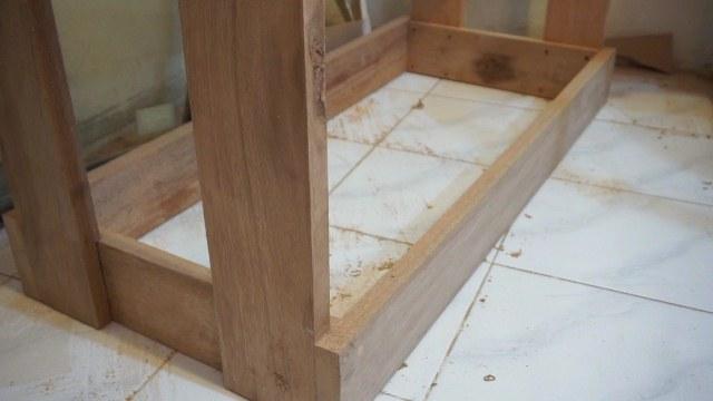 meja kayu kuat banget