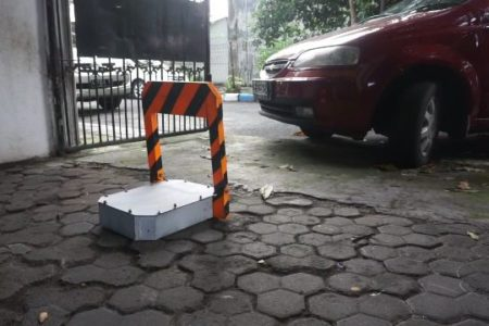 DIY automatic parking barrier