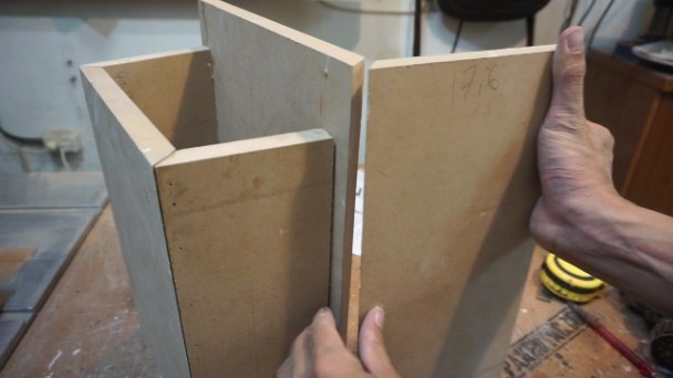 How to make bedside table
