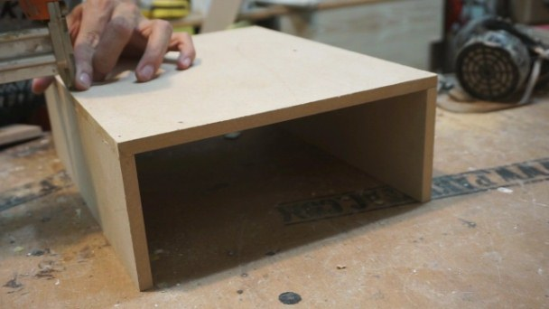 How to make table drawer