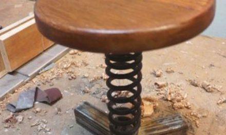 Cara membuat kursi gaya industrial dari per motor
