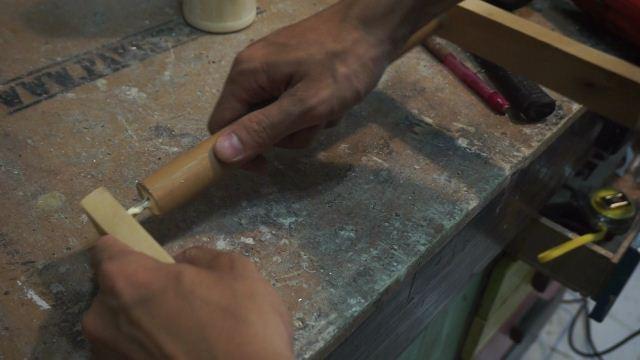Cara membuat pegangan kayu