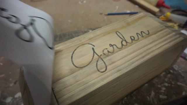Cara transfer huruf ke kayu dengan mudah