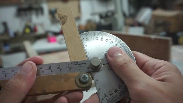 Busur dan alat bevel gauge