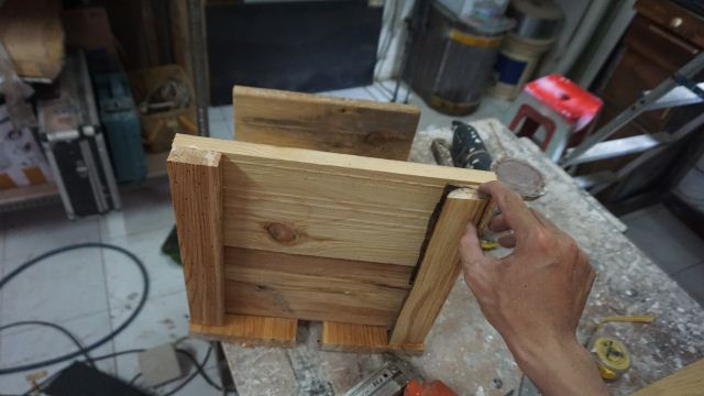Cara membuat crate kayu